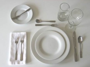 Crockery & Cutlery fully set